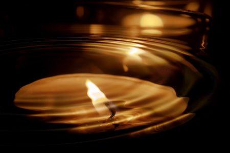 Méditation : le feu et la bougie.